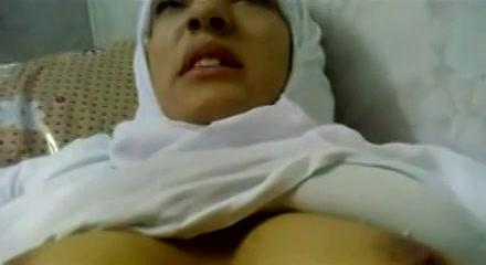 moslima geneukt gratis sex afspraakjes
