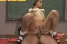 Schoolsletje neukt de leraar
