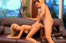 Lekker geile porno voor deze blonde stoot