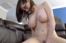 Strakke webcam babe met enorme tieten